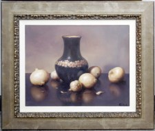 908088 Onions and a Vase with Two Garlic Cloves